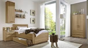 Bilder F Schlafzimmer Bestellen Schlafzimmer Set Im Landhausstil Aus Teilmassiver Eiche Raida