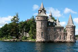 House With A Moat 13 Fantastic Castles To Visit In America