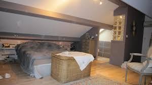 idee chambre parentale avec salle de bain suite parentale avec salle de bain et dressing dans les combles