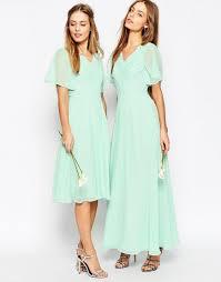 mint mismatched bridesmaid dresses