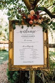 Wedding Bathroom Basket Ideas by Best 25 Wedding Signage Ideas On Pinterest Wood Wedding Signs