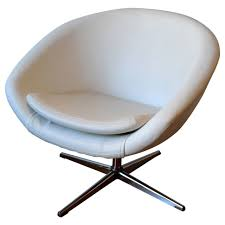 Swivel Club Chair Leather 1960s Swivel Egg Chair In White Leather With Chrome Base For Sale