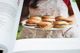 livre cuisine bio livre la cuisine bio des jours de fête éditions terre vivante