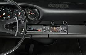 Porsche 911 Old - porsche classic navigation radio for old 911s is a thing of
