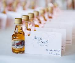maple syrup wedding favors 25 favours for any theme maple syrup wedding and favors