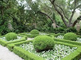 small italian gardens landscape
