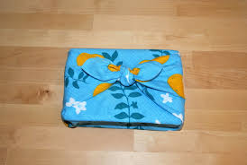 Japanese Wrapping Method by How To Furoshiki Japanese Fabric Wrapping 1 Million Women
