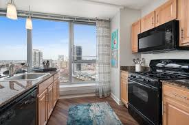 west loop chicago apartments left bank at kinzie station floor