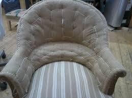 rénovation canapé tissu les 23 meilleures images du tableau rénovations de fauteuils chaises