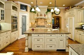 country kitchen cabinet ideas country kitchen ideas on a budget cabinet decorating