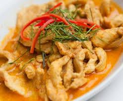 cuisiner poule poulet au curry et noix de coco recette de poulet au curry et noix
