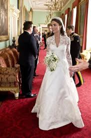 wedding dress london kate middleton s wedding dress goes on display in london saturday