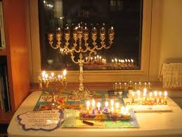 when is the proper time to light the candles on a menorah quora