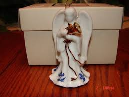 cardew blue willow horn ornament i