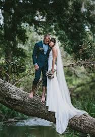 pose photo mariage photo de mariage les mariés pieds nus
