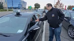 bureau des taxis dans les taxis de montréal comme à york