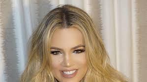 khloé kardashian debuts short lob khloe kardashian is officially rocking the prettiest lob ever