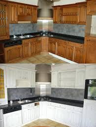 peindre une cuisine repeindre meuble cuisine chene amazing relooker cuisine chene on