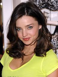 courtney kerr haircut chatter busy miranda kerr hair colour of miranda hair color yellow