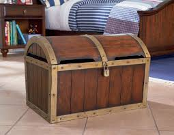 amazon com kids toy chest with treasure box design in antique