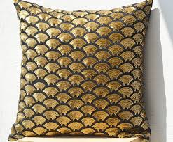 beaute handmade embroidered waves black gold