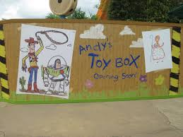 img 0490 jpg as you will see on the pics below fences have been placed all around an area near the blue barrel of fun with posters of toy story characters looking like