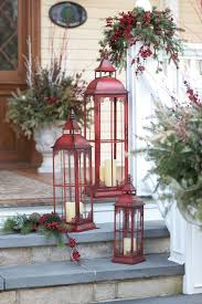 Christmas Decorations For Tall Windows by Best 25 Christmas Lanterns Ideas On Pinterest Outdoor Xmas