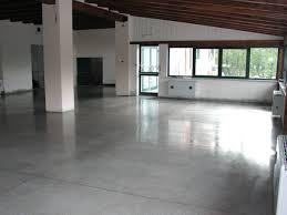pavimento industriale quarzo pavimenti cemento levigato reggio emilia parma levigatura