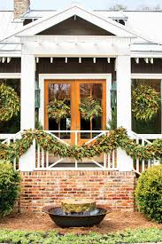 How Large Is 400 Square Feet This Cottage Is 2000 Square Feet Of Holiday Cheer Southern Living