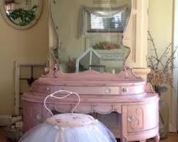 pink makeup vanity mugeek vidalondon