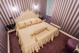 chambre à coucher style baroque chambre à coucher romantique dans le style baroque photo stock