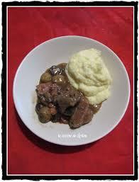 sanglier cuisine civet de sanglier aux chignons et purée de persils racine la
