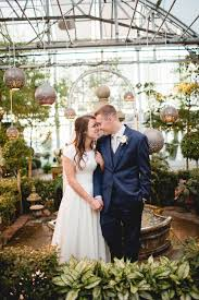 wedding photographers in utah utah wedding photographer greenhouse wedding sodabee