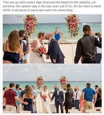 reddit worst wedding this lady watching a beach wedding mildlyinfuriating