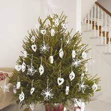 White Christmas Ornaments Uk by 40 Best Diy Christmas Decorations Images On Pinterest Christmas