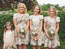33 floral printed bridesmaid dresses happywedd com