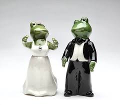 wedding salt and pepper shakers the frog store frog gifts frog party supplies frog jewelry