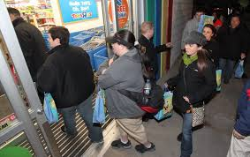 toys r us opening at 5 p m on thanksgiving sets new bar for