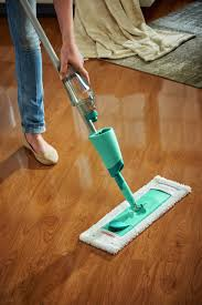 Laminate Floor Vacuum Varnished Laminate Floor