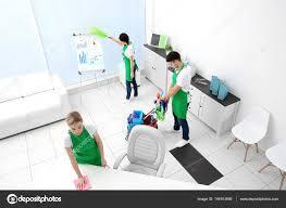 nettoyage de bureaux équipe service nettoyage bureaux modernes photographie belchonock