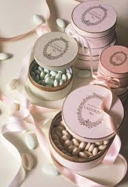 wedding almonds honeymoon laduree 2054690 weddbook