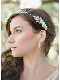 boucle d oreille mariage boucles d oreilles mariée flora avec perles et fleurs so hélo