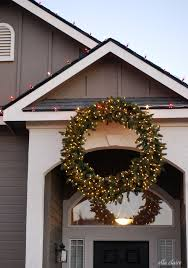 how to hang a outdoor wreath ella