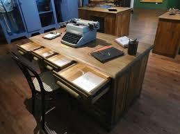 ancien bureau un ancien bureau de la gendarmerie photo de musée de la