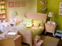 amenager un coin bebe dans la chambre des parents décorer la chambre de bébé par juliedeco