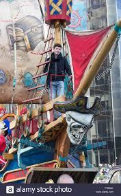 thanksgiving parade new york 2015 new york ny usa november 26 2015 shawn mendes rides float at