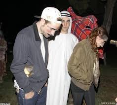 halloween 5 mask robert pattinson and kristen stewart in halloween costumes