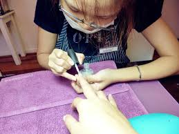 review best manipedi experience at beeqnails salon miriam