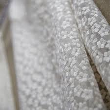 organdi de coton tissu organza brodé fleurs écru mondial tissus