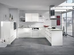 weisse hochglanz küche alno alnoflash küche mit elektrogeräten und spüle küchen für